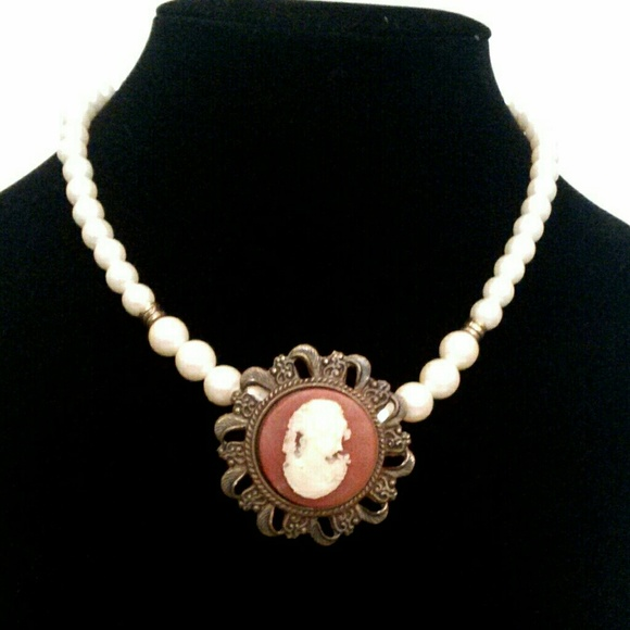 Vintage Jewelry - Vintage Faux Pearl Cameo Necklace
